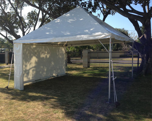 Free Standing Marquee 4.5m by 4.5m suitable for Back yard party 20-30 people