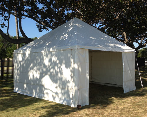 Free Standing Marquee 4,5m x 4,5m in white for hire